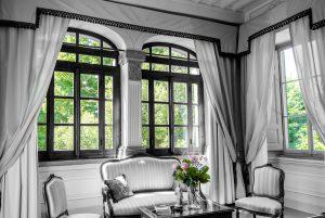 window flower room