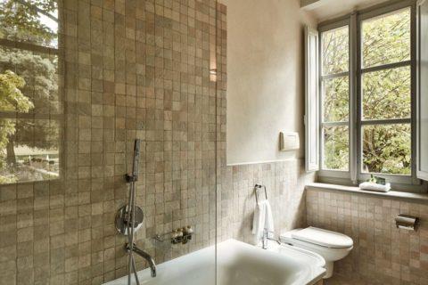Bathroom detail Superior Rooms Villa di Piazzano SLH Luxury Hotel Cortona tuscany