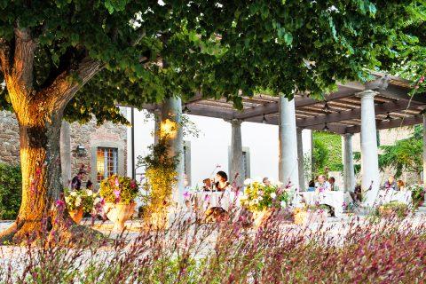 garden restaurant people