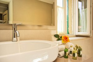 bath flower set courtesy