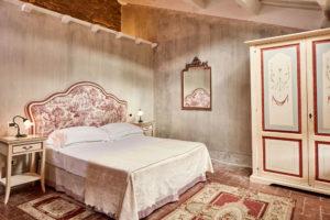 Classic Rooms Villa di Piazzano SLH Luxury Hotel Cortona tuscany