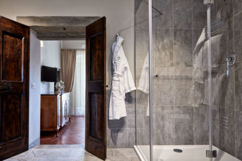 Bathroom detail Junior Suite Rooms Villa di Piazzano SLH Luxury Hotel Cortona tuscany