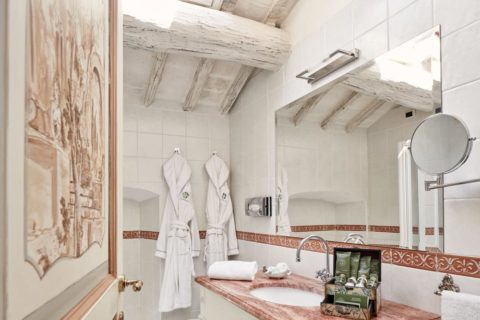 Bathroom detail Deluxe Rooms Villa di Piazzano SLH Luxury Hotel Cortona tuscany