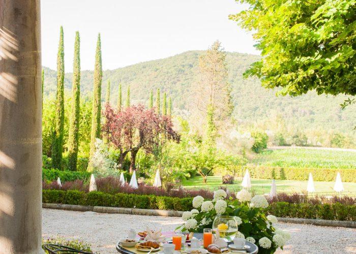 breakfast hotel view