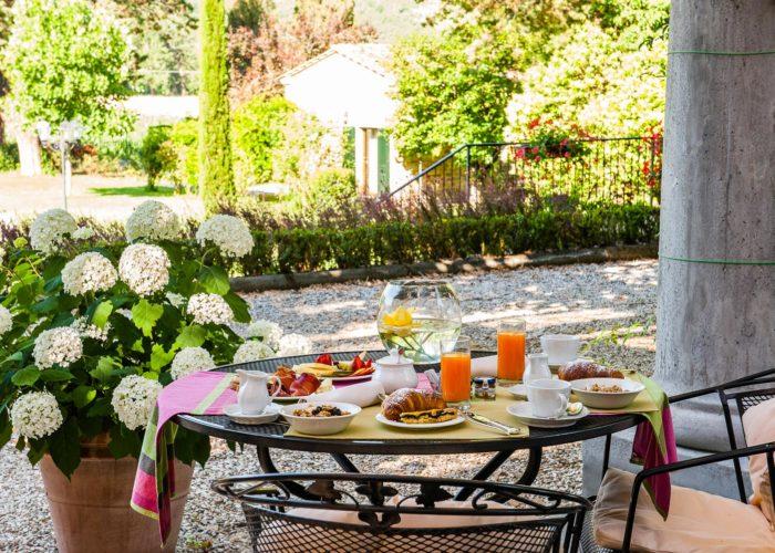 breakfast hotel garden