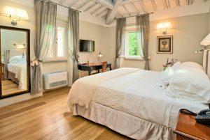 deluxe room hotel