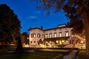 Entrance Villa di Piazzano SLH Luxury Hotel Cortona tuscany