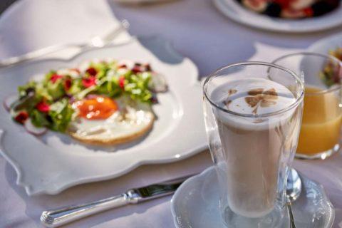 Breakfast Hotel Villa di Piazzano SLH Luxury Hotel Cortona